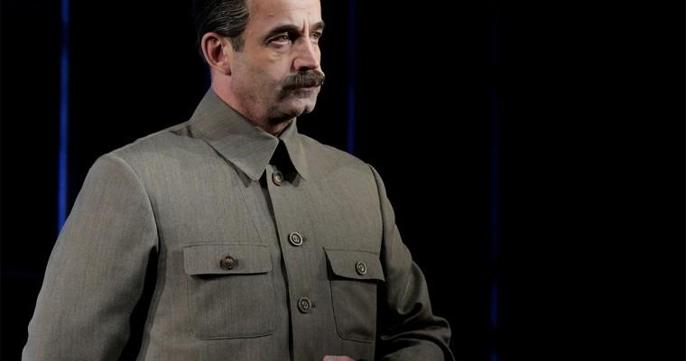 Певцов в образе Сталина ответил на слова Познера об абортах